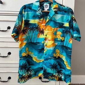 Hilo Hattie Authentic Hawaiian Shirt.